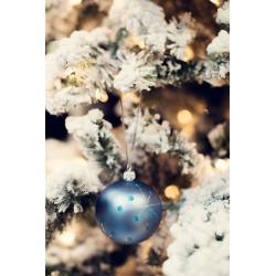 Vánoční koule modré barvy s dekorem